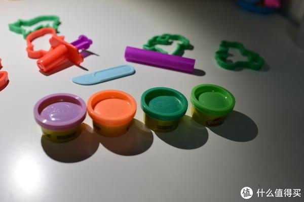 四色彩泥,紫色,橙色,深绿色,绿色