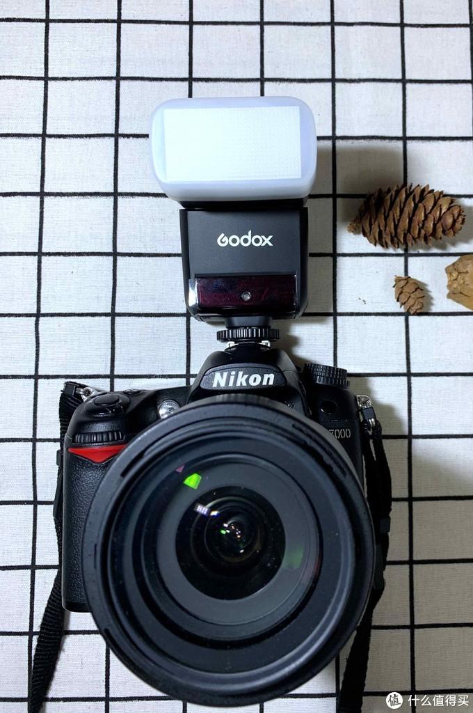 相机是尼康D7000,当年毕业礼物,9000元入手的,o(╥﹏╥)o。当年单反的价格很坚挺,记得尼康D90好几年都不带降价的,新出的D7000王力宏代言,种草不能自拔。和家里说了好久才同意给买的。结果现在,一声长叹...