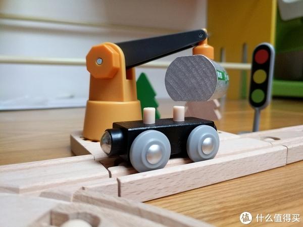 给孩子的新年礼物—小米米兔 电动火车轨道积木套装
