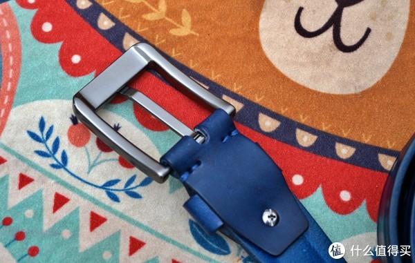 预算1000元,最后花了100元,买了一条骚蓝色的皮带