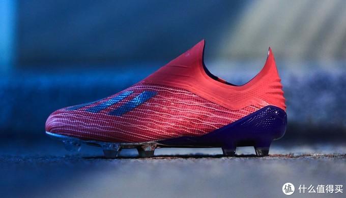 动感光波:adidas 阿迪达斯 推出 全新配色版 X 18+ 足球鞋