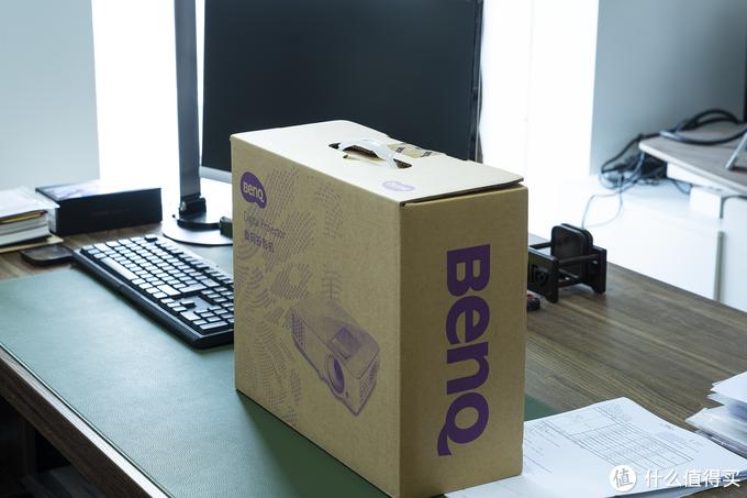 是时候告别老土的连接方式了!明基 BenQ 智能商务E310 投影机带来的新体验