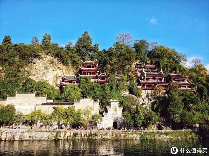 青龙洞,是全国为数不多的儒道佛三教合一圣地