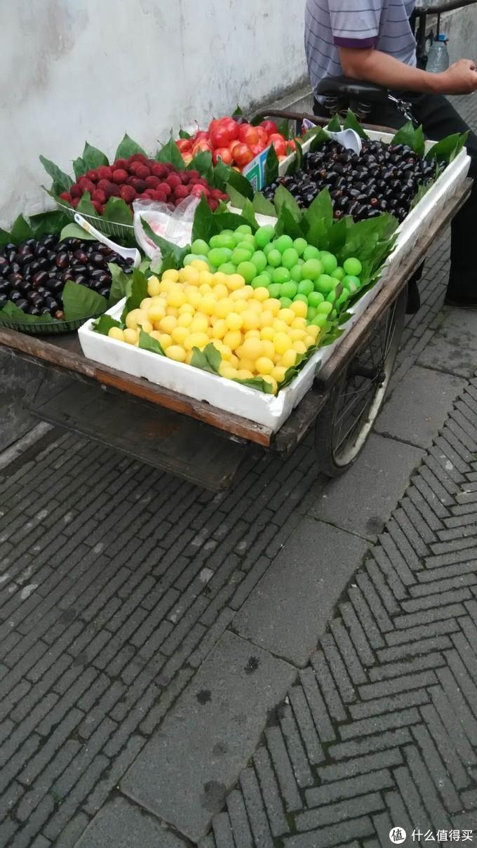 不明白为什么卖个橄榄 都的染色来卖 ,颜色抢眼,但是不敢不敢吃