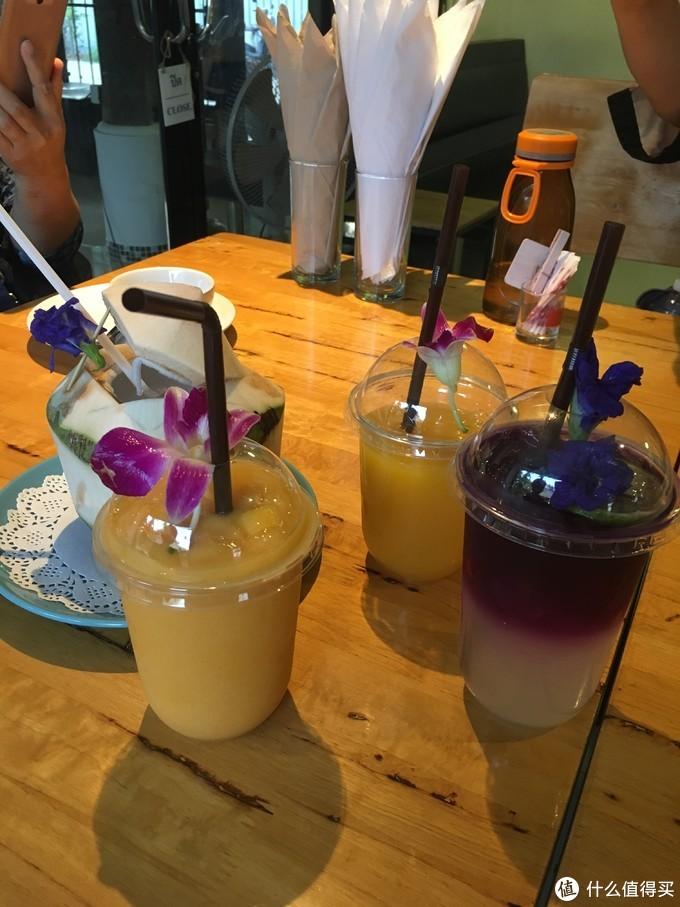 芒果沙冰、椰子汁、芒果汁(无冰)、蝶豆兰水