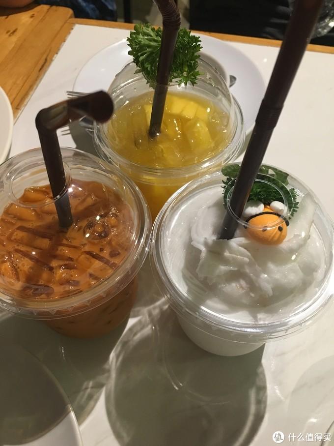 第二次,加了泰式奶茶,味道很好。椰汁沙冰口感下降了