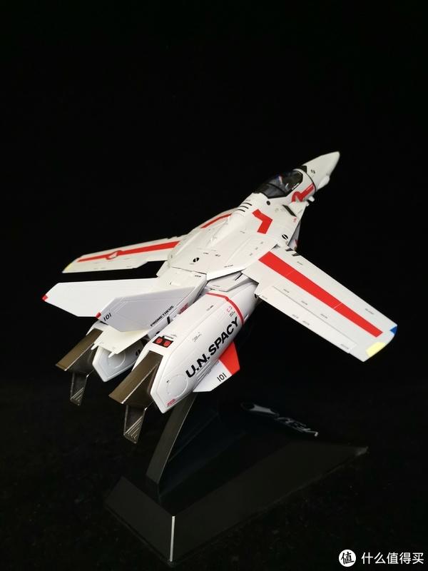 万代超合金DX超时空要塞VF-1J骷髅战机