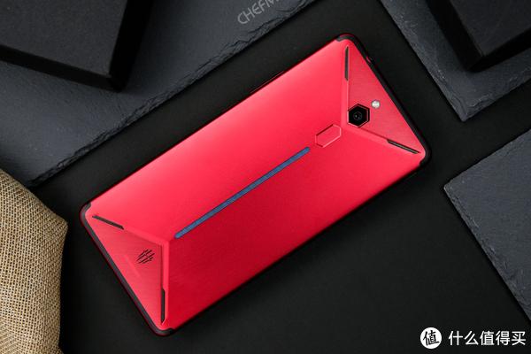 有了它,吃鸡再也不用什么外设手柄了:努比亚红魔Mars电竞手机