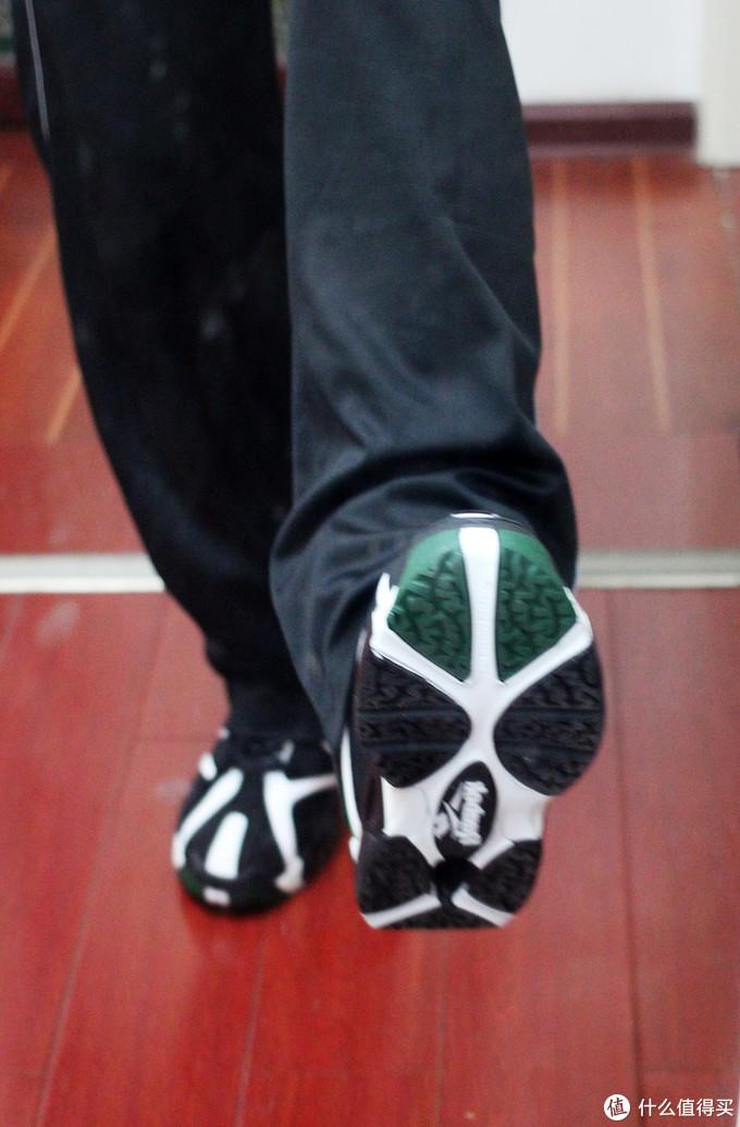 暴力美学时代的符号—Reebok Kamikazi  RBK 火山坎普一代篮球鞋简测