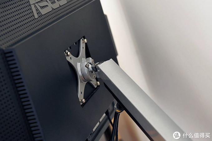 新年新面貌 — 更新布置下电脑桌面上的那些相关设备