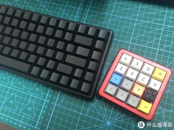 不省钱也没省心甚至都不太算得上客制化的4x4小键盘折腾记