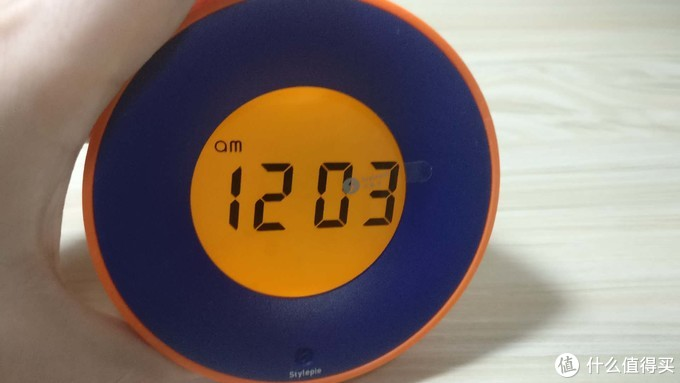 独具特色的电子闹钟,翻翻重力闹钟评测