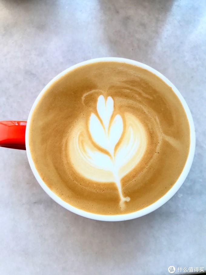 只找到个美颜过的咖啡哈哈😂