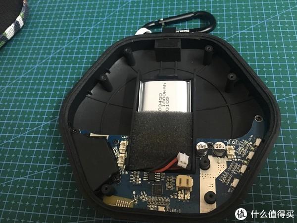 可以看出PCB板和1800毫安的锂电池