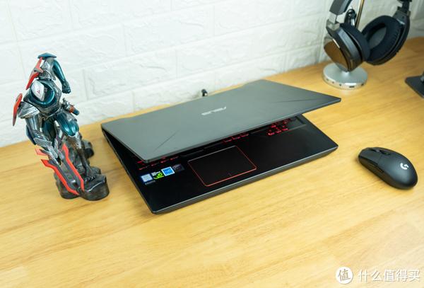 又晒一台小钢炮,6GB高性能显卡、120Hz电竞屏、键盘、鼠标全有了,
