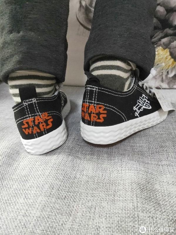 星球大战版回力童鞋,全球限量仅此一款,给儿子的新年🎁