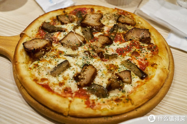 黑猪烟肉披萨