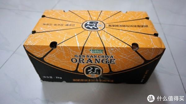 杨氏果业出品,箱子上印有35年历史