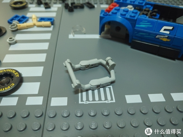 新零件,新玩法——LEGO 乐高 超级赛车系列 75891 雪佛兰科迈罗ZL1赛车 开箱