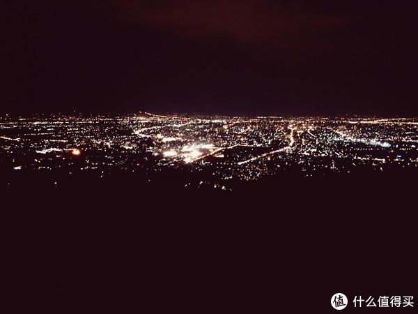 素贴山观景台,灯光璀璨的清迈夜景