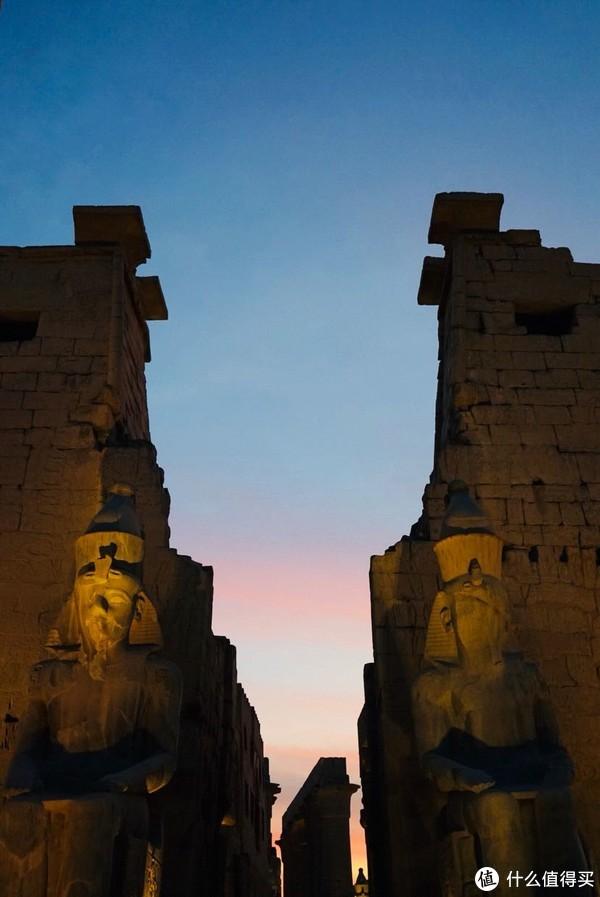 卢克索神庙夜景很神圣