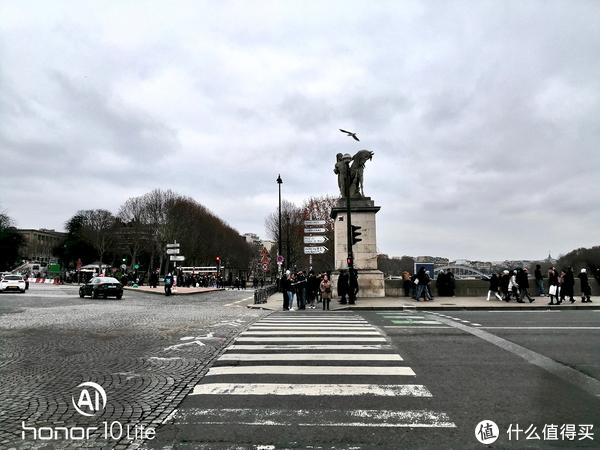 盗梦取景地+埃菲尔铁塔坐船+乐蓬马歇薅羊毛