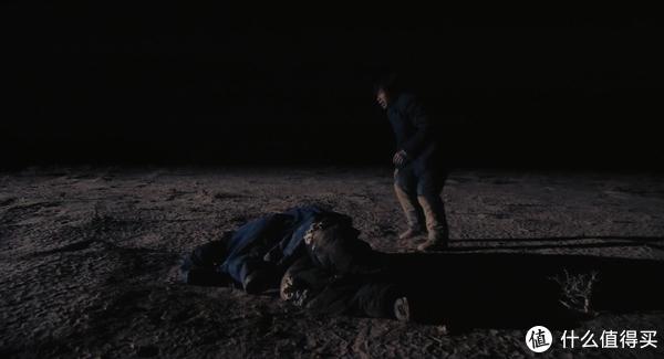 两难的境地,留下师傅,终生背负心理负担,留下来陪着师傅,2个人都会被冻死。