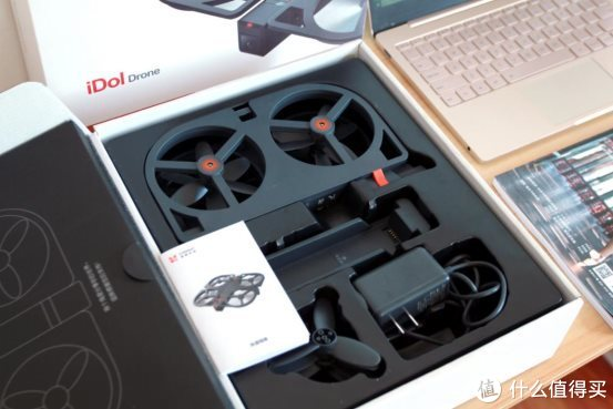 价格不足千元,性能不错,小米有品上架的iDol智能飞行器体验