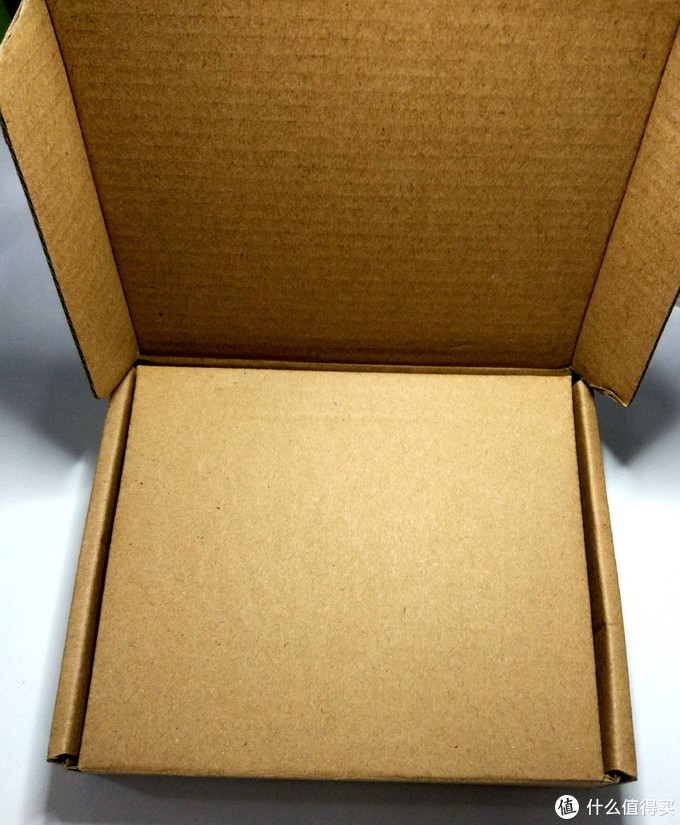 双侧纸盒包装,保护的严严实实的