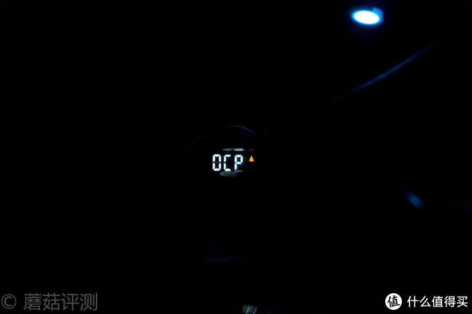 做工精致、用料精良、充电直观——公牛GNV-CD1180银色数显双口车充 开箱评测