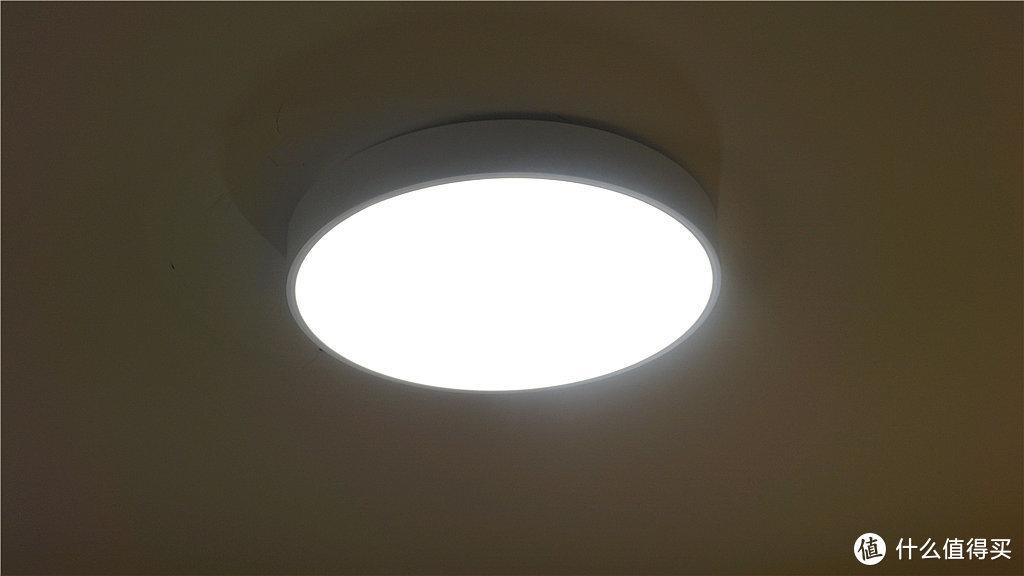 买买买之小米系智能家居,三百多搞定卧室Yeelight皓石智能LED吸顶灯,还能用天猫精灵控制