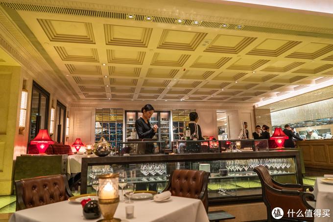 香港澳门四家米其林餐厅 (共9星):天龙轩、Caprice、泓 Mizumi、杜卡斯