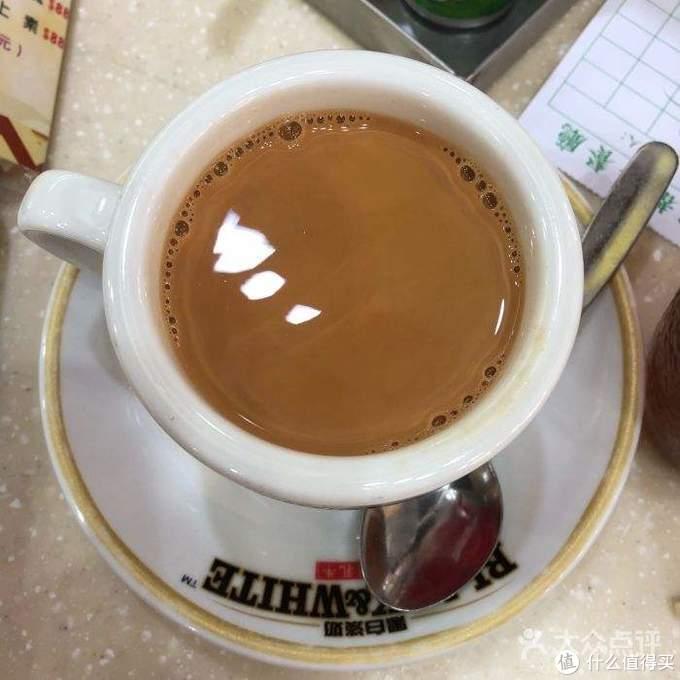 加了黑白淡奶炼乳的港式奶茶是我的最爱。