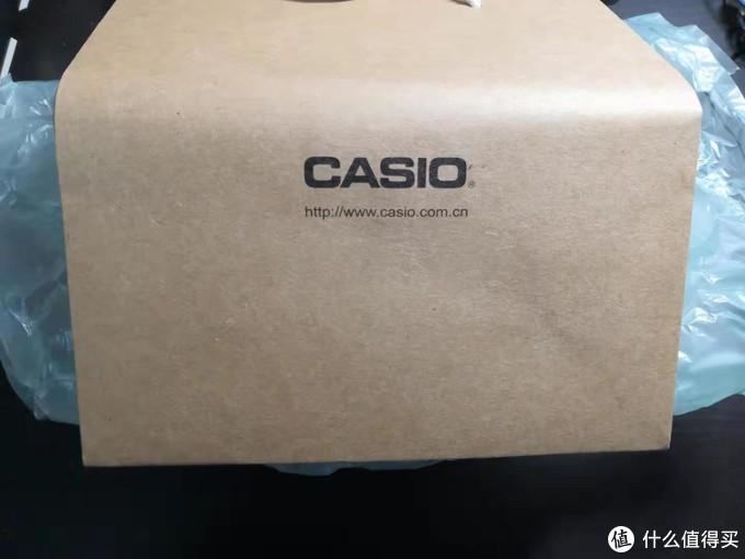 店家赠送了卡西欧的礼品袋