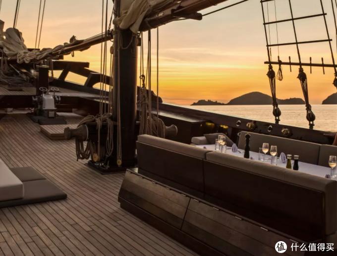 绝对私家!一艘船只接待6人,270度看海上日落,安缦的【海上行宫】来了!