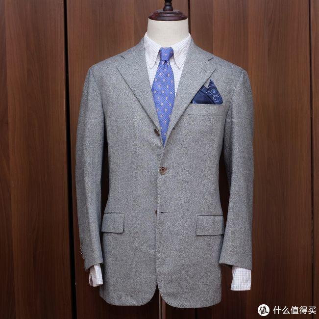 让服装保持有型:关于修改衣服、熨烫、衣挂和其他
