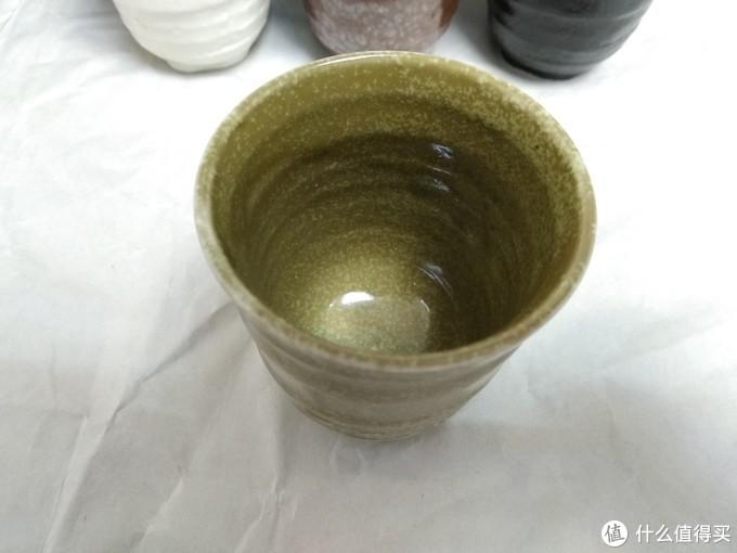 杯子依然是容水量很少,这个杯子,非常适合用来喝酒。