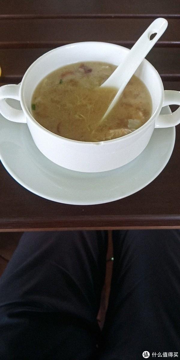 餐前的例汤