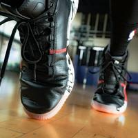 adidas Dame Lillard 5 篮球鞋外观展示(包裹 缓震 抗扭转)