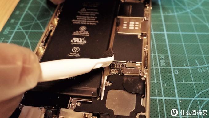 拉我起来,我还能战!iPhone 6电池轻松换