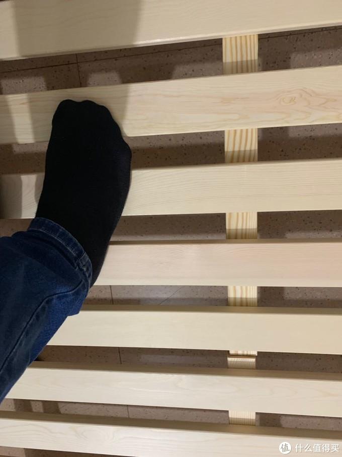 网购实木床架轻晒及遇到的扯皮事
