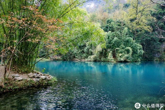 1公里宽的峡谷里藏着个5A景区,有山、有湖、有瀑布、有森林,还有道光年间古桥