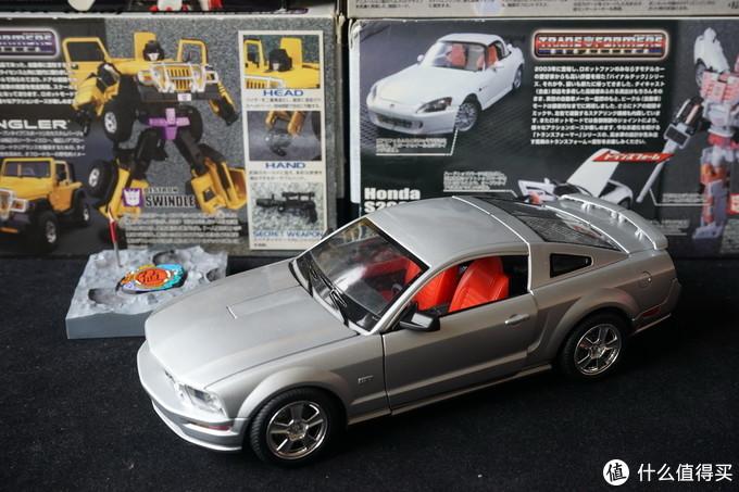 精美的金属车模,永远的变形金刚:TAKARA TOMY 变形金刚  BinalTech系列收藏展