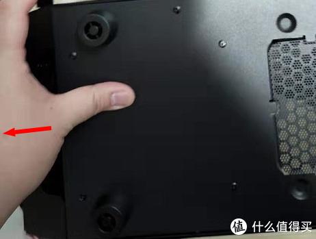 图4.4 打开前盖板示意图