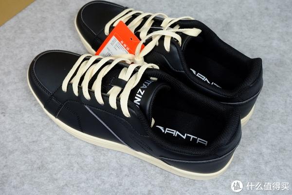 从阿迪到安踏:一次买了四双安踏休闲鞋。