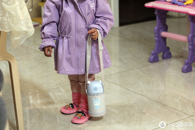 还在去日本给宝宝买水壶?小米出品米兔儿童保温杯,Q萌耐用