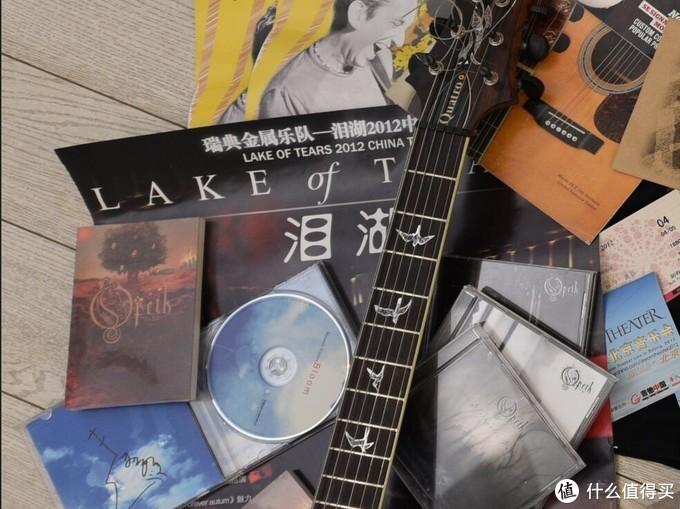 后来国外买的CD,以及这场演出送的小本本。