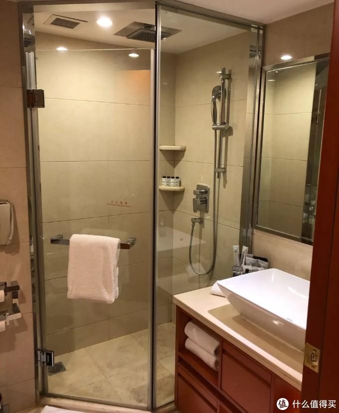 淋浴间及4种配品及浴花