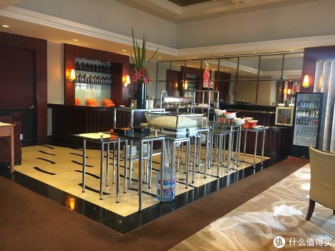 行政酒廊餐厅:下午茶时间