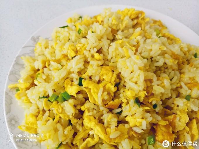 江江,一碗美味的蛋炒饭就完成啦